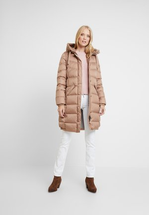 COAT LONG FILLED FIX HOOD FLAP POCKETS CUFFS - Dunkåpe / -frakk - tender fawn