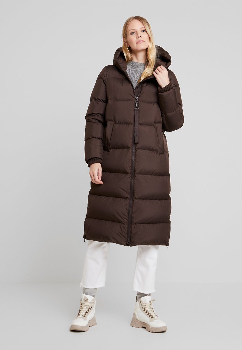 Marc O'Polo - BIG PUFFER COAT HOOD WELT POCKETS WITH HIDDEN PRESSBUTTO - Dunkåpe / -frakk - coffee bean