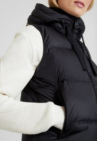 Marc O'Polo - VEST FIX HOOD FRONT ZIPPER POCKETS - Vest - black - 5