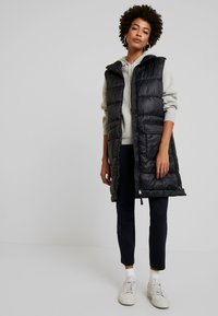 Marc O'Polo - OUTDOOR VEST LONG BODY LENGTH - Waistcoat - black - 1
