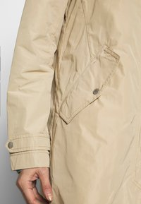 Marc O'Polo - COAT TURN DOWN COLLAR DETACHABLE HOOD PRESSBUTTONS FRONT - Parka - swedish pine - 4
