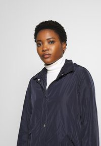 Marc O'Polo - COAT TURN DOWN COLLAR DETACHABLE HOOD PRESSBUTTONS FRONT - Parka - night sky - 5