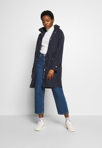 Marc O'Polo - COAT TURN DOWN COLLAR DETACHABLE HOOD PRESSBUTTONS FRONT - Parka - night sky - 1