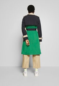 Marc O'Polo - BLOGGER COLOUR MIX BELT WITH BUCKLE PLEAT - Trenchcoat - swedish pine - 2