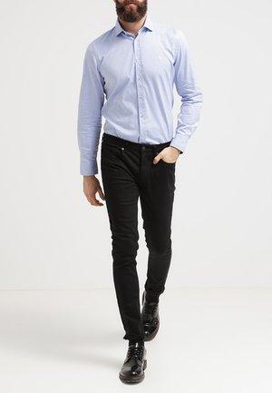 SHAPED FIT - Hemd - light blue