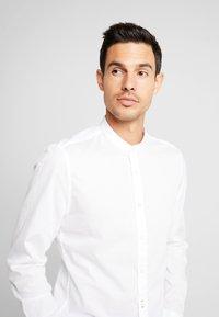 Marc O'Polo - BAND COLLAR - Kostymskjorta - white - 3