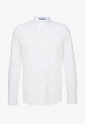 FINE BEDFORD GARMENT DYED - Camisa - white