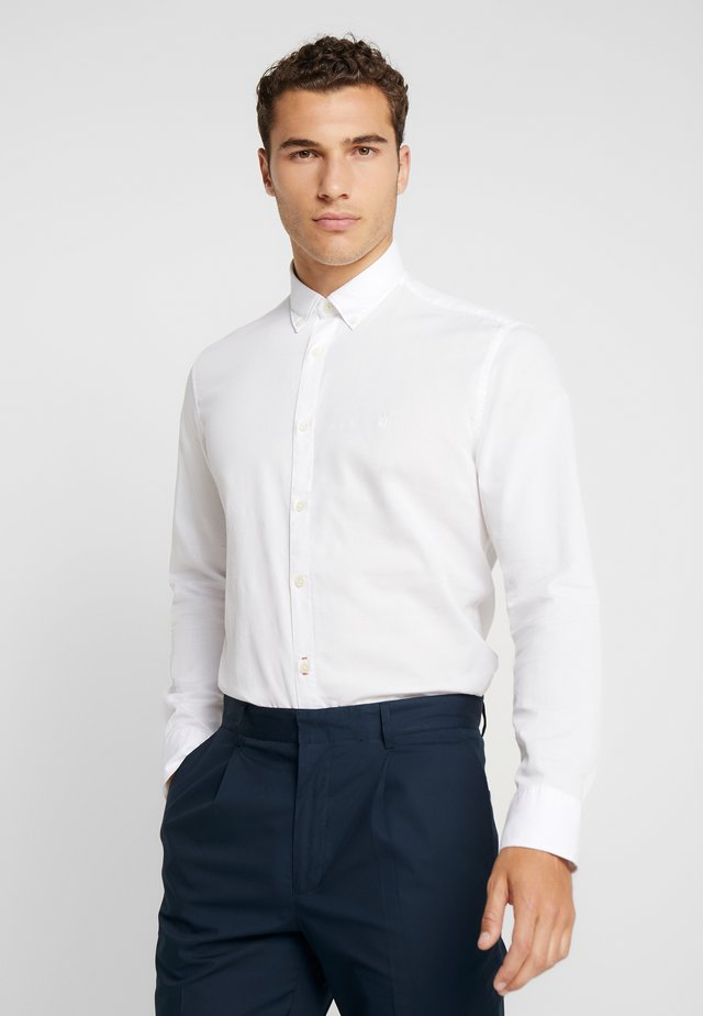 FINE BEDFORD GARMENT DYED - Koszula - white