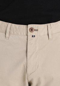 Marc O'Polo - VERNIK - Chino kalhoty - soybean - 3