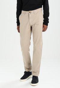 Marc O'Polo - VERNIK - Chino kalhoty - soybean - 0