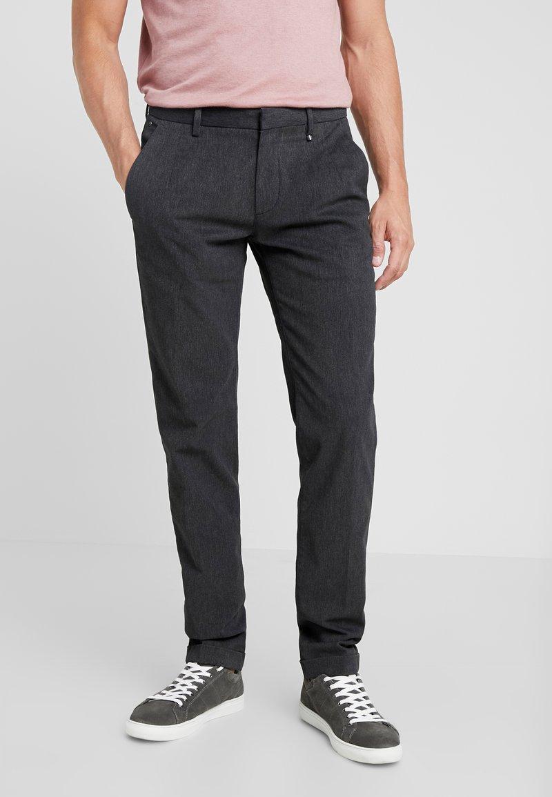 Marc O'Polo - CLEAN WITH TURNUP DARTS  - Pantalon classique - dark grey melange