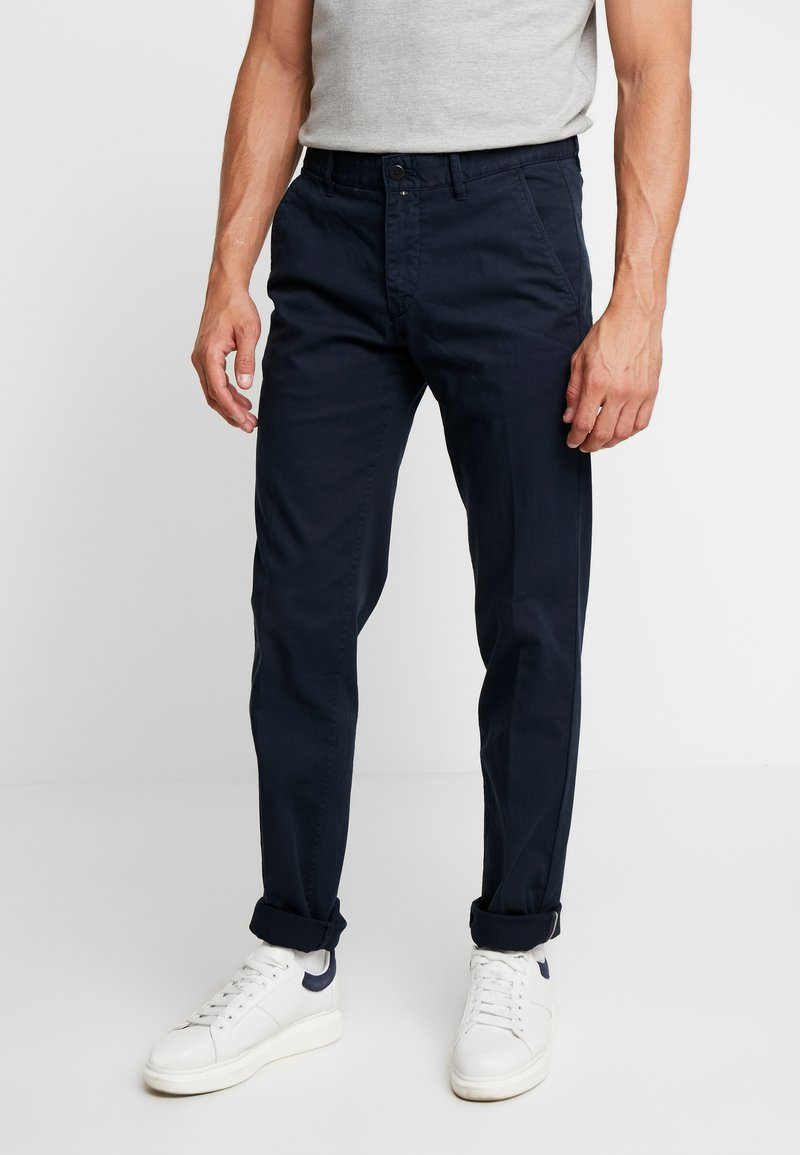 Marc O'Polo - DOBBY STRUCTURE - Pantalones chinos - total eclipse