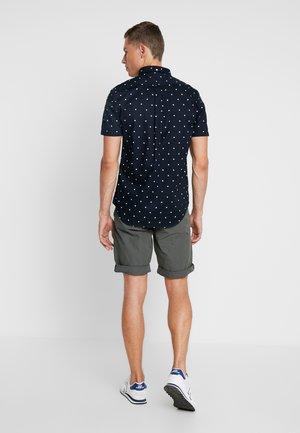 Shorts - mangrove