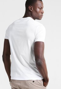 Marc O'Polo - C-NECK - T-paita - white - 2