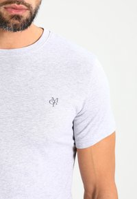 Marc O'Polo - C-NECK - T-shirt basique - grey - 3