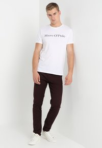Marc O'Polo - BASIC SINGLE - Print T-shirt - white - 1