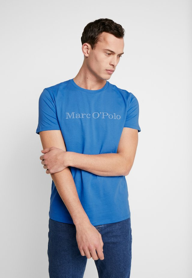 SHORT SLEEVE  ROUND NECK - T-shirt z nadrukiem - pacific coast