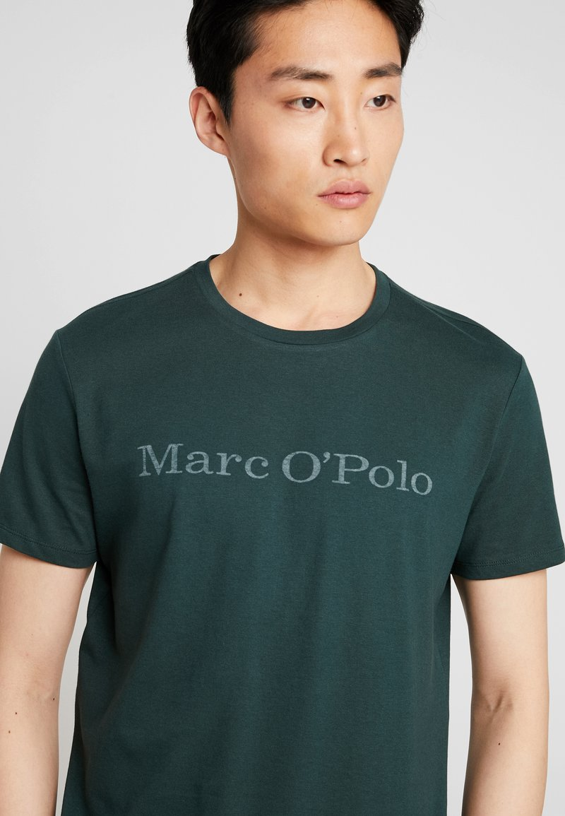 Marc O'Polo - SHORT SLEEVE - Print T-shirt - darkest spruce