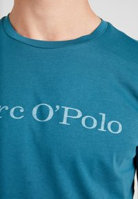 Marc O'Polo - SHORT SLEEVE - T-shirts med print - dragon fly - 5