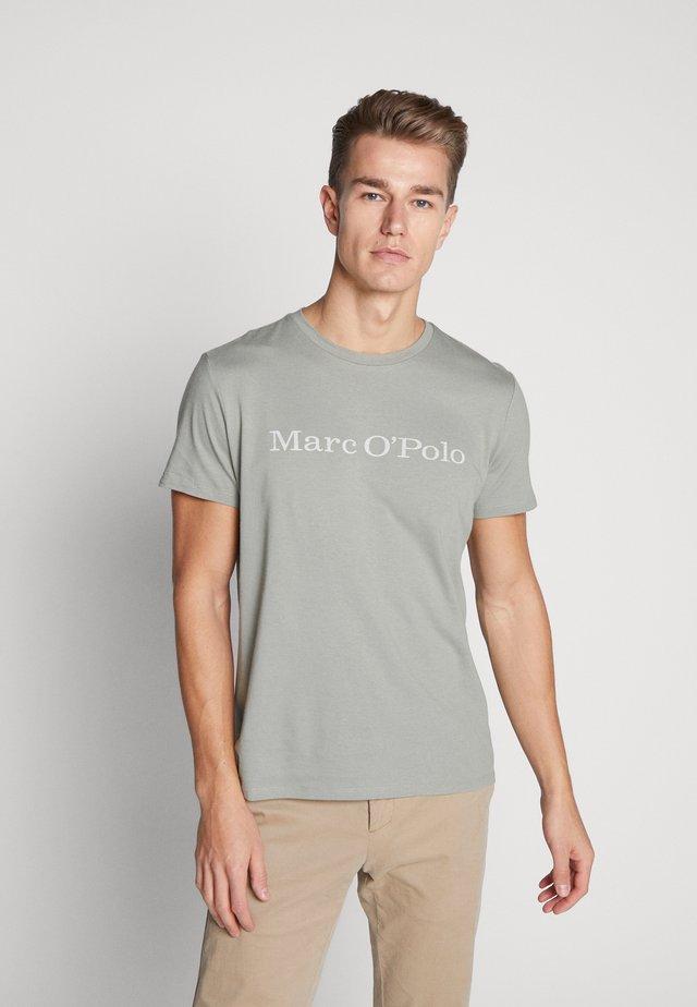 SHORT SLEEVE - T-Shirt print - shadow