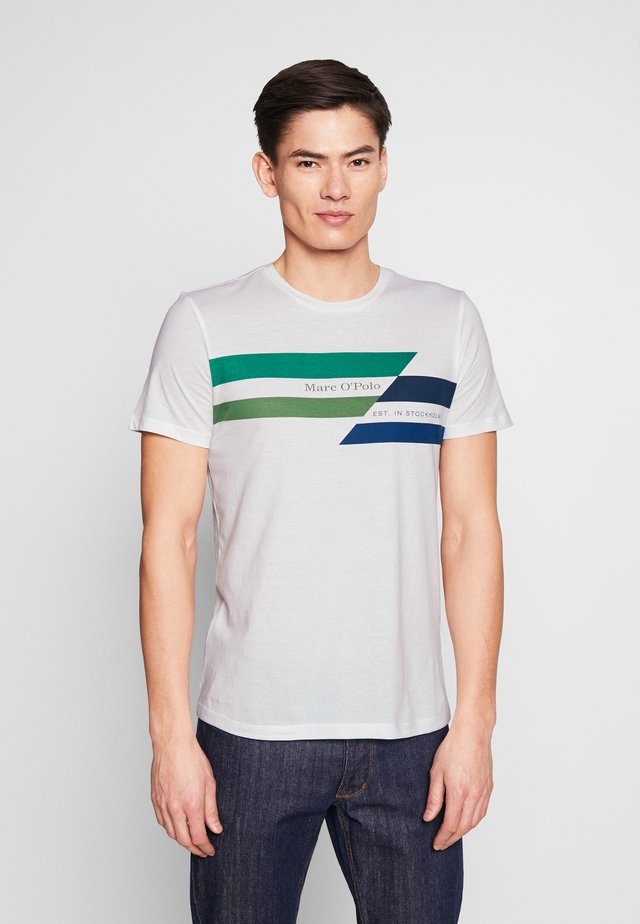T-SHIRT, SHORT SLEEVE, CREW NECK, ARTWORK ON CHEST - T-shirt con stampa - white