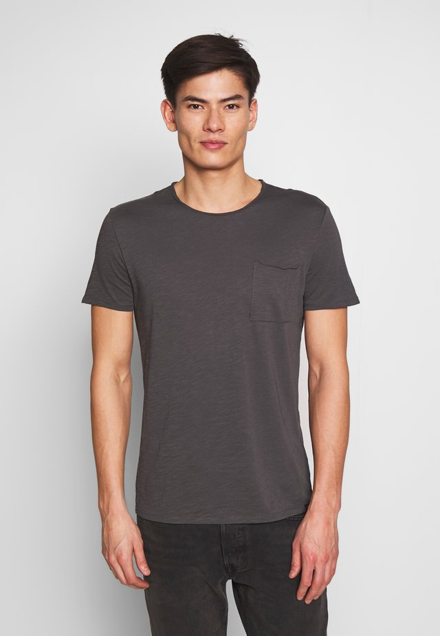 SHORT SLEEVE ROUND NECK CHEST POCKET - T-shirt basic - gray pinstripe