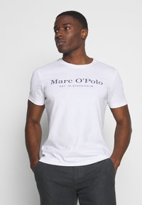 Marc O'Polo - SHORT SLEEVE ROUND NECK - Print T-shirt - white - 0