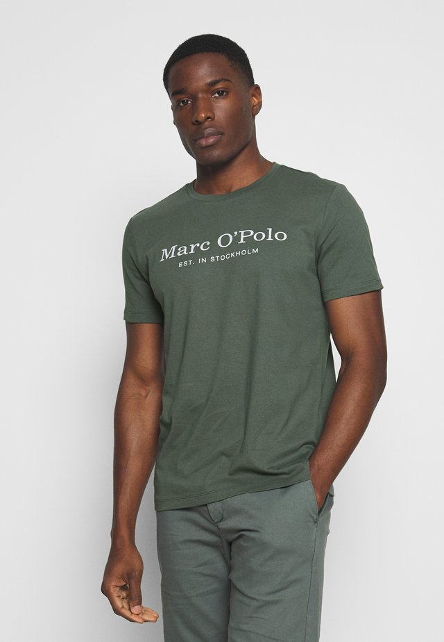 SHORT SLEEVE ROUND NECK - T-shirt med print - mangrove