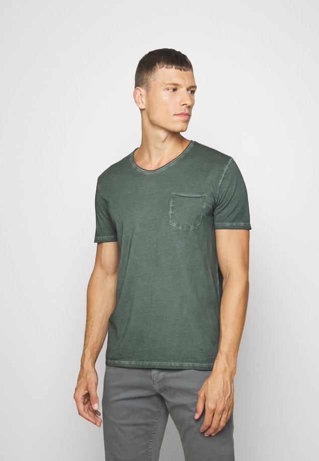 SHORT SLEEVE RAW - T-shirts - mangrove