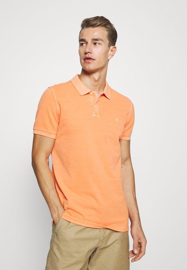 SHORT SLEEVE BUTTON PLACKET - Polo shirt - orange