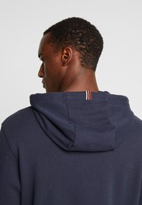 Marc O'Polo - HOODIE WITH RIB DETAILS DRAW CORD - Luvtröja - total eclipse - 5