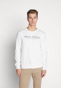 Marc O'Polo - CREW NECK - Sweatshirt - egg white - 0