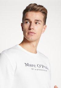 Marc O'Polo - CREW NECK - Sweatshirt - egg white - 3