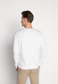 Marc O'Polo - CREW NECK - Sweatshirt - egg white - 2