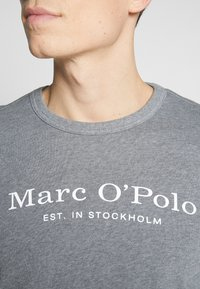 Marc O'Polo - CREW NECK - Sweatshirt - grey melange - 4