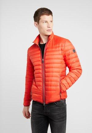 REGULAR FIT - Lett jakke - aura orange
