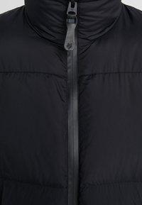 Marc O'Polo - REGULAR FIT LONG SLEEVE STAND-UP COLLAR ZIPPER - Bunda zprachového peří - black - 6