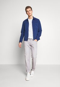 Marc O'Polo - LONG SLEEVE TWO PATCHED CHEST AND SIDE SEAM POCKETS - Summer jacket - estate blue - 1