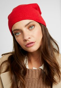 Marc O'Polo - HAT VARIOUS COLOURS - Czapka - cranberry red - 1