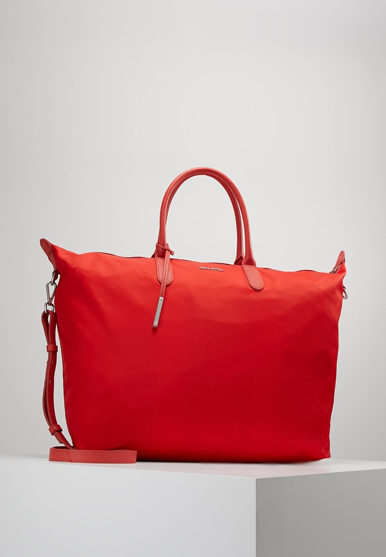 Marc O'Polo - WEEKENDER - Weekend bag - pomegranate red