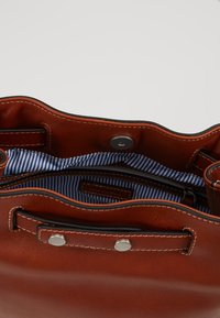 Marc O'Polo - BUCKET - Handtas - authentic cognac - 4