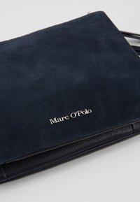 Marc O'Polo - CROSSBODY BAG - Torba na ramię - true navy - 6