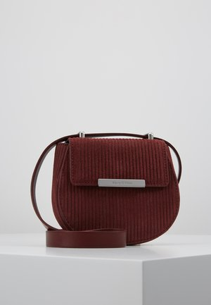 CROSSBODY BAG - Across body bag - rust red