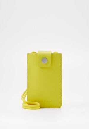 CHARLOTTE - Across body bag - sunny lime