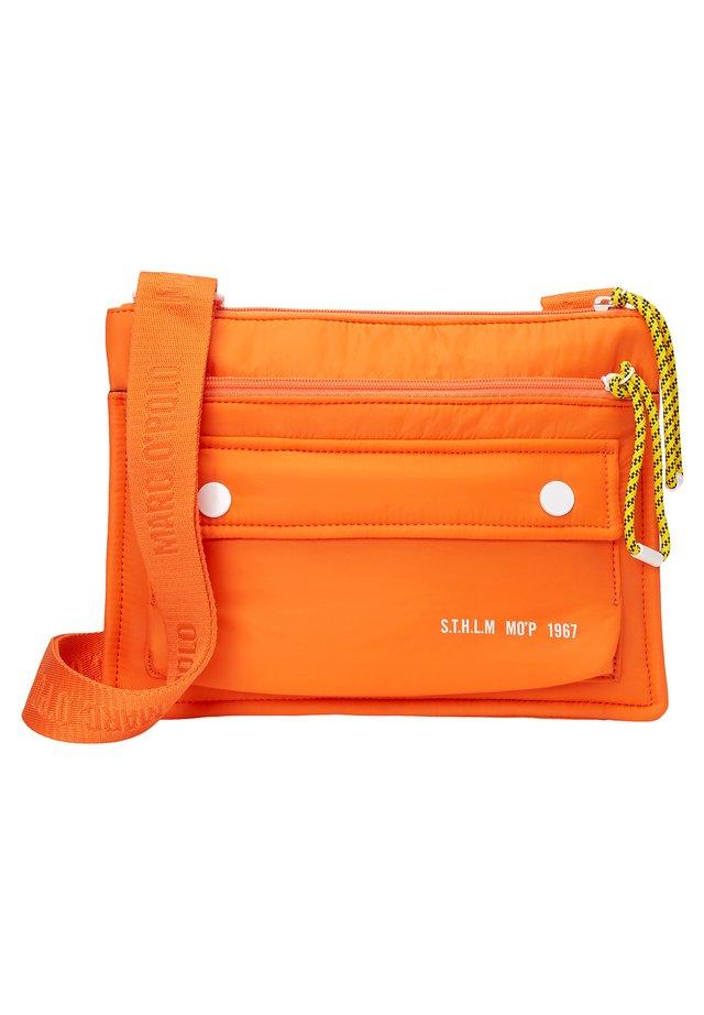 CAMERA - Umhängetasche - orange