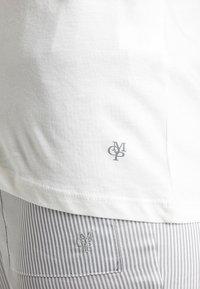 Marc O'Polo - CREW NECK - Pyjamasöverdel - off-white - 4