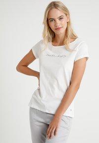 Marc O'Polo - CREW NECK - Pyjamasöverdel - off-white - 0