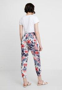 Mavi - ELASTIC WAISTED PANTS - Trousers - hibiscus - 2