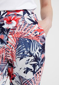 Mavi - ELASTIC WAISTED PANTS - Trousers - hibiscus - 4