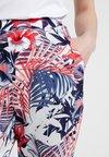 Mavi - ELASTIC WAISTED PANTS - Trousers - hibiscus